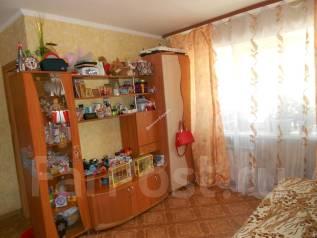 2-комнатная, улица Калинина 231. Чуркин, проверенное агентство, 40 кв.м.