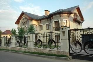 Продажа Коттеджа. до 100 кв. м., 3 этажа, 7 комнат, кирпич