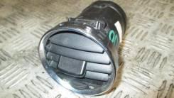 Дефлектор торпедо центральный 2012- Peugeot 408
