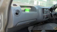 Бардачок в панели пассажирский Nissan CARAVAN