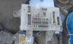 Блок предохранителей салона. Toyota Hilux Surf, RZN215 Двигатель 3RZFE
