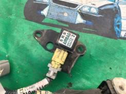 Датчик airbag. Toyota Wish, ZNE10G, ANE10G, ZNE14G, ANE11W