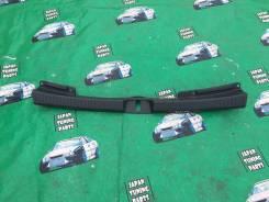 Панель замка багажника. Toyota Highlander, MCU20, MHU28, ACU20, MCU23, MHU23, ACU25, MCU28, MCU25 Toyota Kluger V, MCU20, ACU25, ACU20, MCU25, MHU28 T...