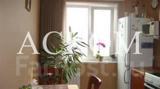 2-комнатная, улица Ладыгина 5. 64, 71 микрорайоны, агентство, 51 кв.м.