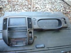 Консоль панели приборов. Nissan Serena, C25, CNC25, CC25