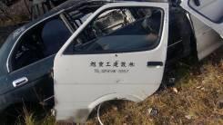 Дверь передняя левая. Toyota Regius Ace LH119