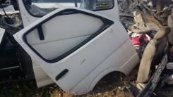 Дверь передняя правая. Toyota Hace LH119