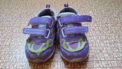 Отдам бесплатно детские кроссовки р-р 23