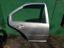 Дверь задняя правая серебристая Гольф 4 Бора Джетта 4