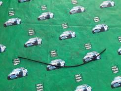 Молдинг лобового стекла. Toyota Highlander, MCU20, MHU28, ACU20, MCU23, MHU23, ACU25, MCU28, MCU25 Toyota Kluger V, MCU20, ACU25, ACU20, MCU25, MHU28...