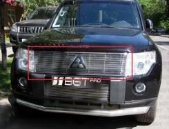 Молдинг решетки радиатора. Mitsubishi Pajero