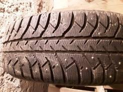 Bridgestone Ice Cruiser 7000. Зимние, шипованные, 2015 год, износ: 5%, 4 шт
