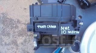 Корпус салонного фильтра. Mitsubishi Pajero iO, H72W, H77W, H61W, H67W, H76W, H66W, H62W, H71W Mitsubishi Pajero Pinin Двигатели: 4G94, 4G93