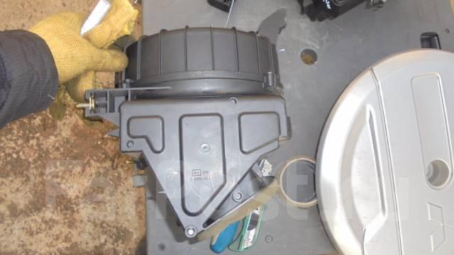 Корпус салонного фильтра. Mitsubishi Pajero iO, H67W, H62W, H61W, H66W, H77W, H76W, H72W, H71W Mitsubishi Pajero Pinin Двигатели: 4G94, 4G93