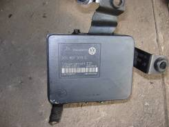 Насос abs. Volkswagen New Beetle Volkswagen Golf Двигатель ABS