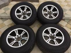 Продам комплект зимних колес Nokian Hakkapeliitta 5 265/65 R17. 8.0x17 6x139.70 ET0 ЦО 110,5мм.