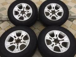 Продам летний комплект колес maxtrek su 800 a/t. x17 6x139.70