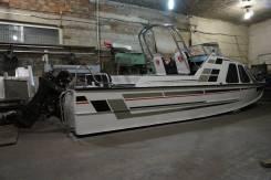 Продам новую моторную лодку Обь-4. Год: 2003 год, длина 7,20м., двигатель подвесной, 90,00л.с., бензин