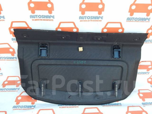 Полка в салон. Ford Focus, CB8 Двигатели: PNDA, XTDA, M8DB, IQDB, M8DA