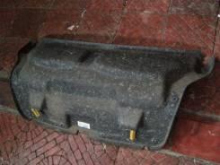 Авенсис 2007 гв. Обшивка крышки багажника