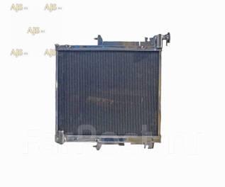 Радиатор охлаждения двигателя. Mitsubishi L200 Mitsubishi Triton Mitsubishi MT