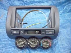 Консоль панели приборов. Honda Fit, GD1