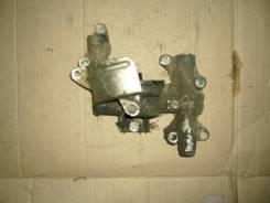 Крепление масляного фильтра. Nissan Atlas, JH40 Двигатель BD30
