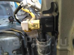 Датчик airbag. Subaru Forester, SG5 Двигатели: EJ203, EJ202, EJ204, EJ201, EJ20