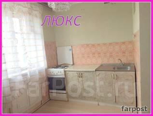 1-комнатная, улица Адмирала Кузнецова 54. 64, 71 микрорайоны, агентство, 31 кв.м. Кухня