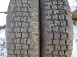 Bridgestone WT11. Зимние, шипованные, 2007 год, износ: 20%, 2 шт