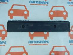 Подставка под номерной знак переднего бампера Toyota Land Cruiser Prado 150