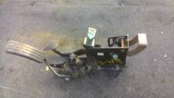 Педаль тормоза. Renault Megane