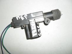 Активатор замка двери передней левой Mazda 323 (BG) (1989 - 1994)