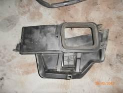Крышка салонного фильтра VW Passat [B5] (1996 - 2000)