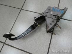 Педаль сцепления Nissan X-Trail (T30) (2001 - 2006)