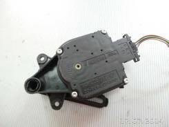 Моторчик привода заслонки отопителя VW Golf IV/Bora (1997 - 2005)
