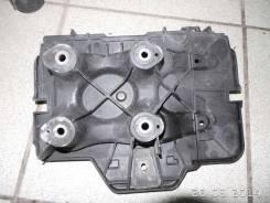 Крепление АКБ (корпус/подставка) VW Golf IV/Bora (1997 - 2005)