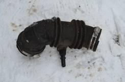 Патрубок воздухозаборника. Chevrolet Cobalt, T250 Двигатель L2C