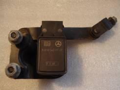 Датчик высоты дорожного просвета. Mercedes-Benz E-Class, W211