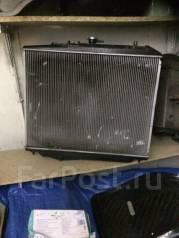 Радиатор охлаждения двигателя. Isuzu Bighorn, UBS69GW Двигатель 4JG2