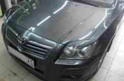 Накладка на фару. Toyota Avensis