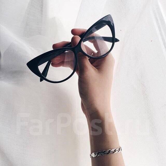 Очки.