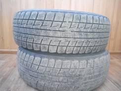 Bridgestone ST30. Зимние, без шипов, 2011 год, износ: 70%, 2 шт