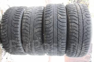 Bridgestone Ice Cruiser 7000. Зимние, шипованные, 2010 год, износ: 50%, 4 шт