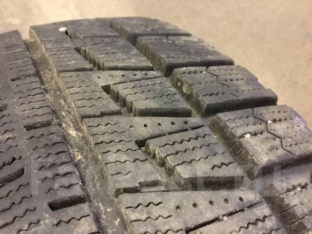 Bridgestone Blizzak Revo2. Зимние, без шипов, 2008 год, 5%, 2 шт