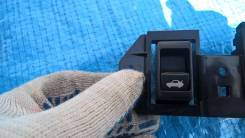 Кнопка открывания багажника. Infiniti M35, Y50 Infiniti M25 Nissan Fuga, PY50, PNY50, GY50, Y50
