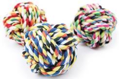 Плетеный из верёвки мячик для собак