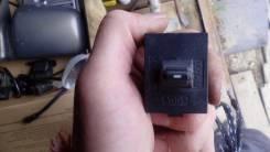 Кнопка стеклоподъемника. Jeep Cherokee