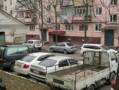 Сдается нежилое помещение. 63 кв.м., проспект 100-летия Владивостока 115, р-н Вторая речка. Дом снаружи