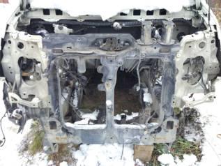 Рамка радиатора. Nissan Elgrand, ME51, E51, MNE51, NE51 Двигатели: VQ25DE, VQ35DE